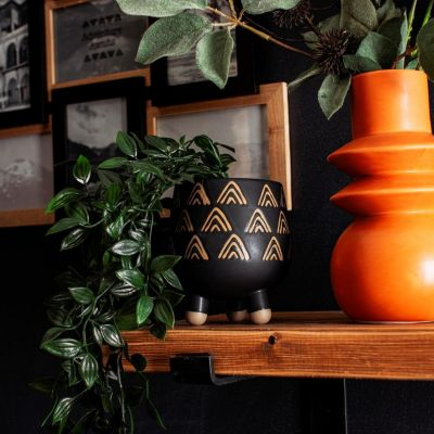 Wax Resist Triangles Black Leggy Planter